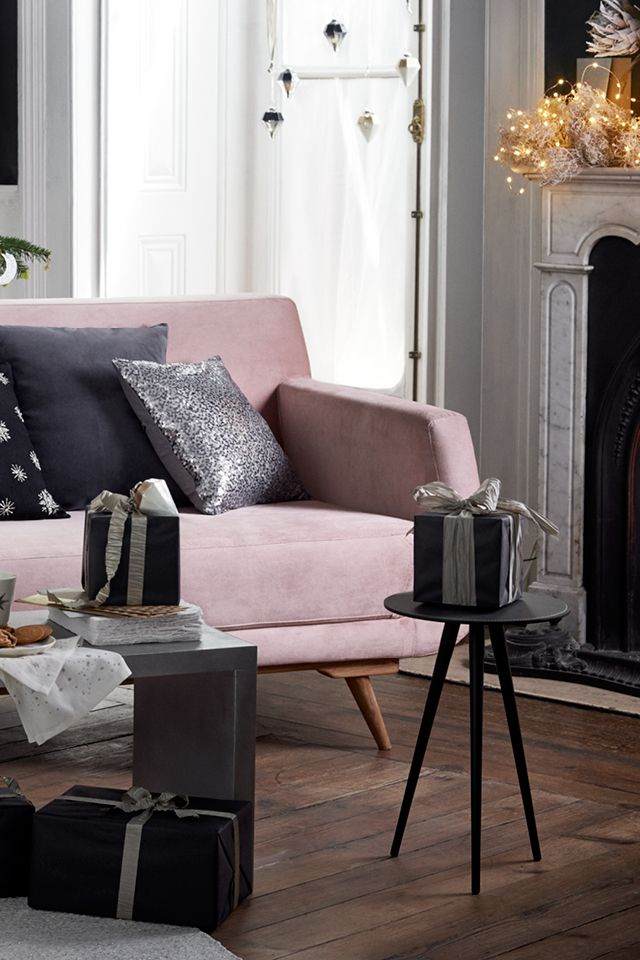 Inviting, dark and luxurious, this on-trend style welcomes Christmas with cosmic flair and mood-lifting extravagance. | H&M Home
