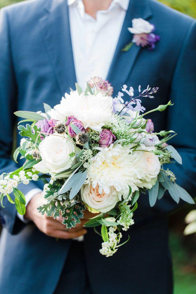 #bruidsboeket #boeket #bloemen #bruiloft #trouwen #huwelijk #trouwdag #huwelijksboeket #trouwboeket #inspiratie #wedding #bouquet #inspiration   Photography: Anouschka Rokebrand   ThePerfectWedding.nl