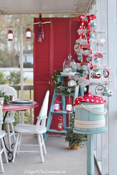 adorable mini christmas trees for small homes christmas rh pinterest com