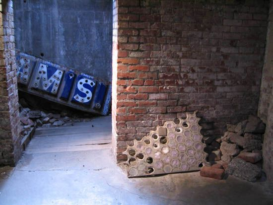 The Seattle Underground Tour gives you a chance to learn about Seattle's history buried right under the streets of Pioneer Square after the Great Seattle Fire of 1889.