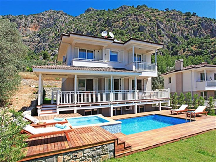 Villa Baris is one of a very few select, luxurious Villas to occupy this privileged position. Situated a couple of minutes' drive from the fashionable and popular Gocek Marina with views across to the nearby islands with their fabulous sandy beaches; this is a truly magnificent Villa in a truly excellent location.