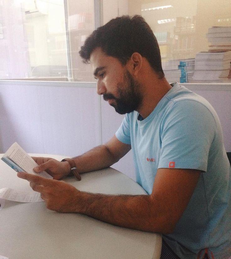 Maior estudante q vc respeita [1min dps da foto larguei o livro��] . . . . . . . . . . . . . . . . . . #student #psicologia #picoftheday #book #photo #good #job #vsco http://butimag.com/ipost/1556073967431930174/?code=BWYSQdpA1E-