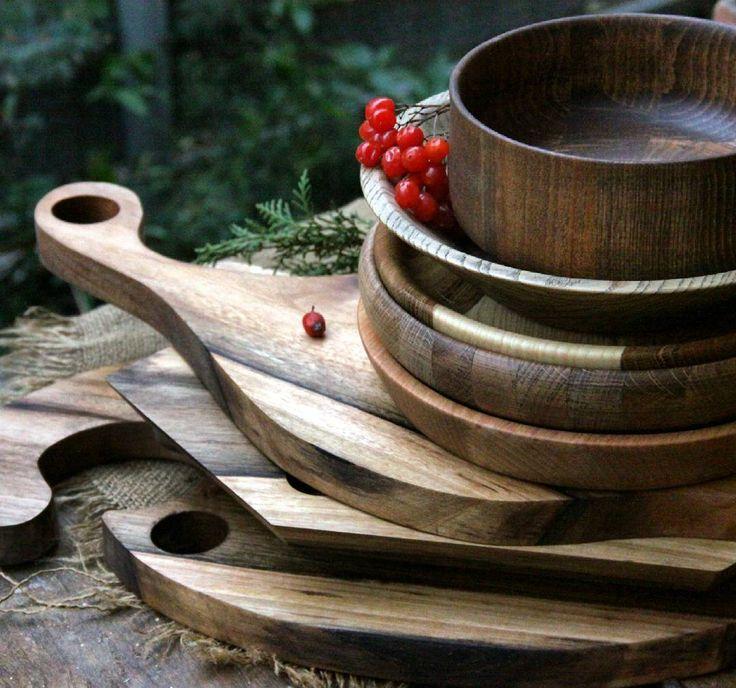 Деревянные разделочные доски, подносы, тарелки