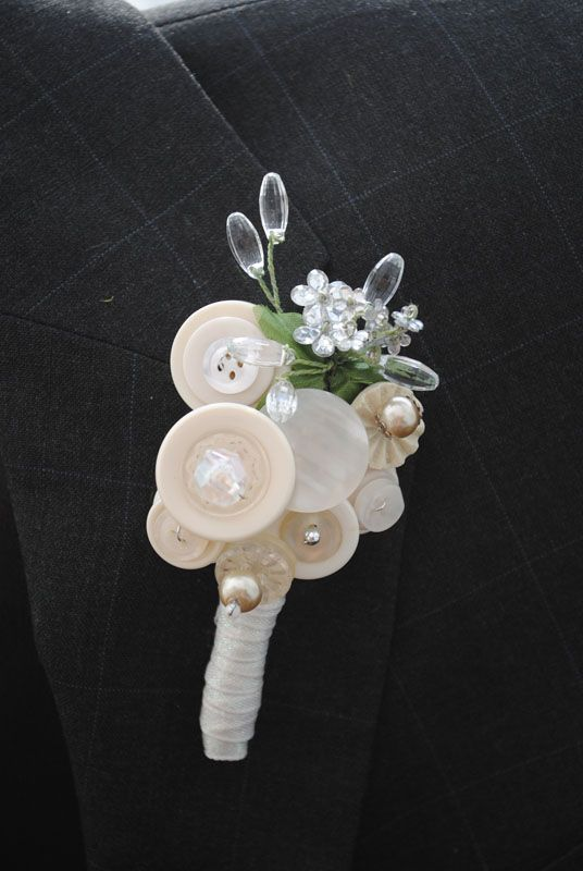 FOR JULIE!!! so so so sweet, more turquoise but great simple style...Ivory Vintage Button Bout for Groom's Lapel.