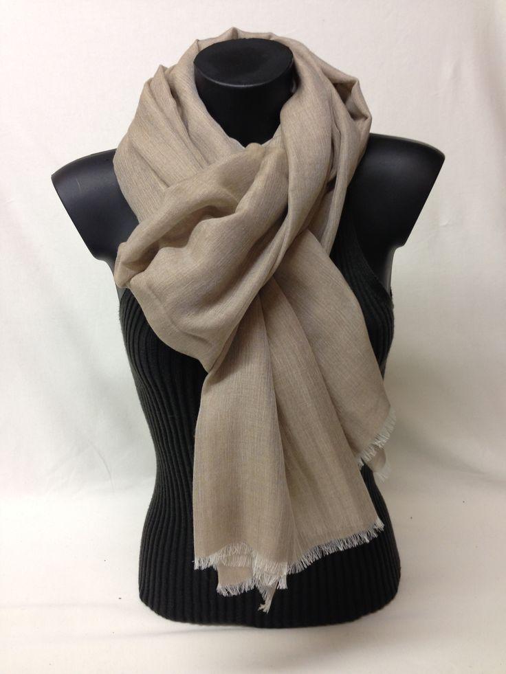 Sciarpa unita in cashmere, modal e seta. Piece dyed scarf in cashmere, modal and silk. www.millenium-srl.it