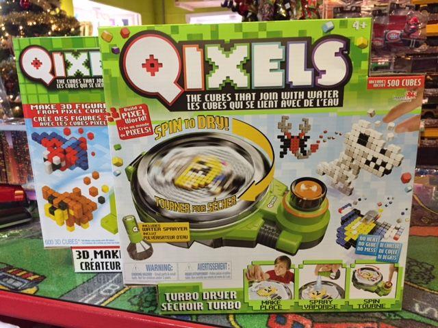 Qixels, 500 cubes avec Séchoir Deluxe Turbo!. Jeu de construction. Détaillant à St-Sauveur, La Boîte à Surprises de Nicolas. Plaisir assuré!
