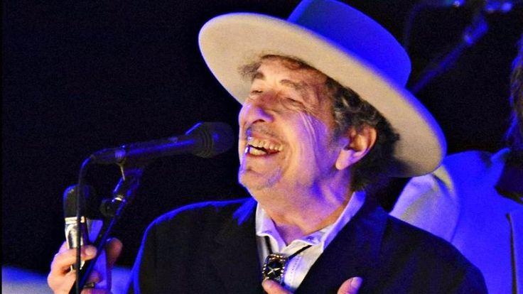 Bob Dylan Pastikan Tak Hadiri Penyerahan Nobel
