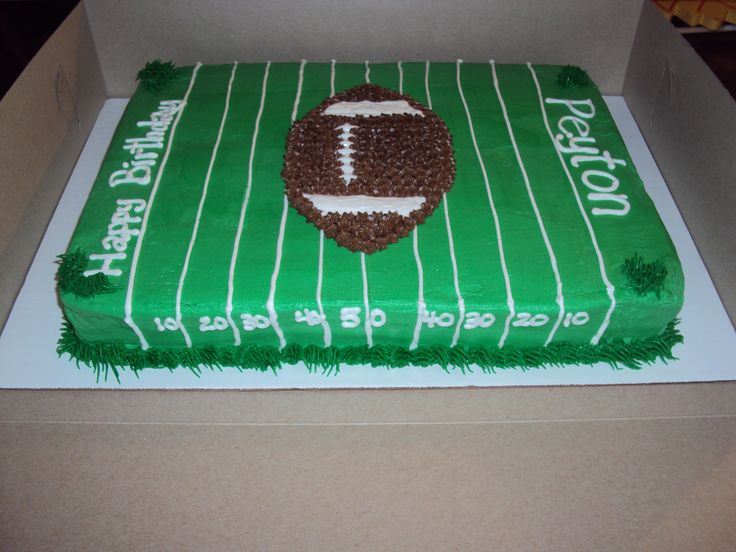 Cake Decorated Like Football Field : 25+ best ideas about Football Field Cake on Pinterest ...