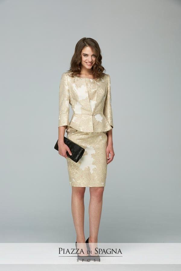 Una collezione 2017 di alto profilo e qualità. Gli abiti da cerimonia Maria Coca sono tutti su http://www.piazzadispagnasposi.it/collezioni/cerimonia-donna/maria-coca/