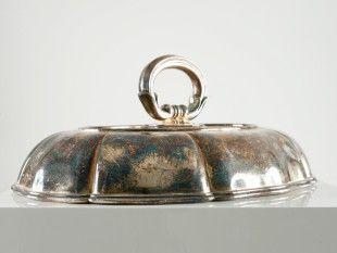 144 Deckel einer Gemüseschale Silber, Feingehalt: 800/1000. H 10 cm. B 21 cm. L 28 cm.