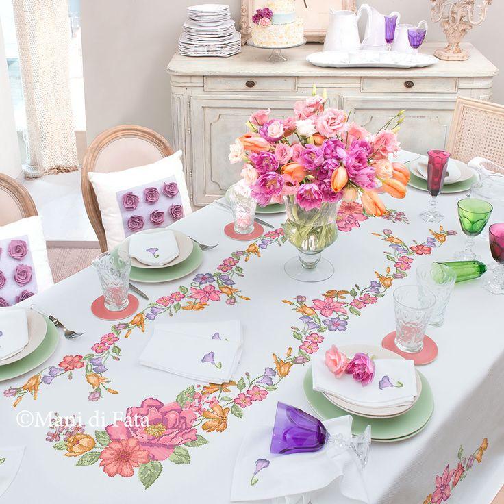78 images about mani di fata punto croce on pinterest pique tablecloths and yarns - Disegni punto croce per tovaglie da tavola ...