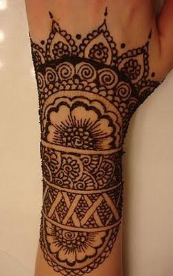 mehndi -mandala shape, lacy edge.