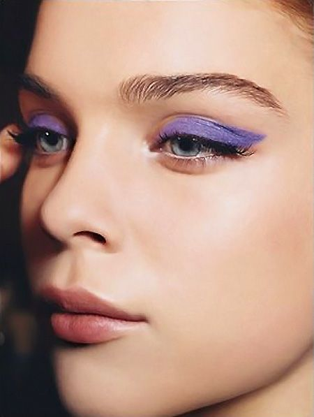 Violet Femmes: One Bold Eye Liner Move For New Year's Eve Makeup