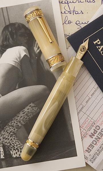 Ivory Kynsey Club -- for more gentlemen accessories visit http://www.pinterest.com/davidos193/essentials-mens-accessories/
