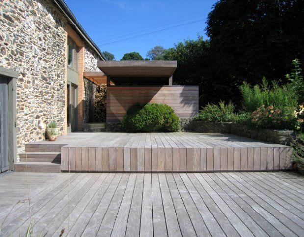 Tarasy drewniane - kompozyt czy drewno egzotyczne. Porównanie materiałów