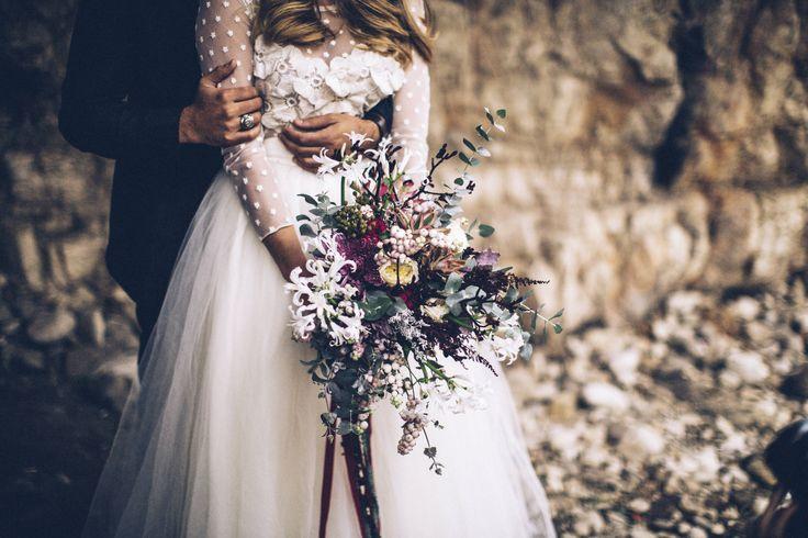 #wedding #weddingday #weddingvenue #love #weddingphotographer #vscocam #weddinglocation #freepeople #postthepeople #minimalpeople #livefolk #livefree #thatsdarling #morninglikethese #mytinyatlas #rural_love #lookslikefilm #nothingisordinary #landscape #socality #liveauthentic #finditliveit