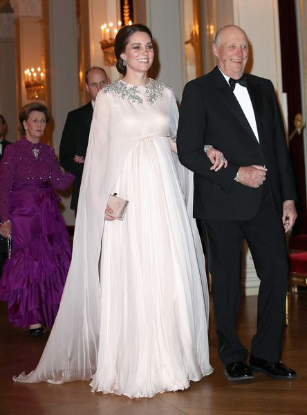 Kate Middleton Photos - Catherine, Duchess of Cambridge is escorted into dinner by King Harald V of Norway at the Royal Palace on day 3 of her visit to Sweden and Norway with Prince William, Duke of Cambridge on February 1, 2018 in Oslo, Norway. - The Duke and Duchess of Cambridge Visit Sweden and Norway - Day 3