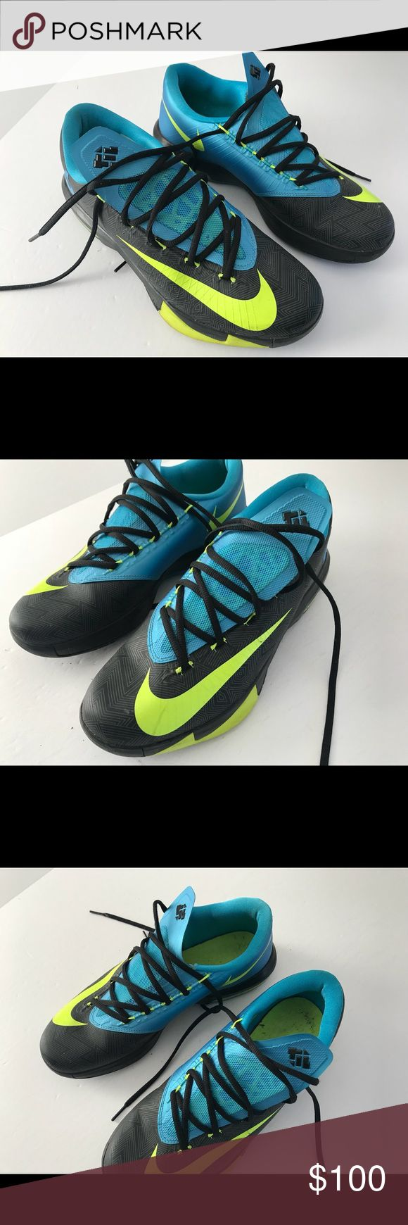 Men's KD Kevin Durant sneakers Men's Kevin Durant sneakers in great condition 8/10. 100% Authentic. Size 9.5. Will ship out next day after purchase. Delivery time 1-3 days. Shop with confidence. 100% Satisfaction Guaranteed. Shoes Athletic Shoes