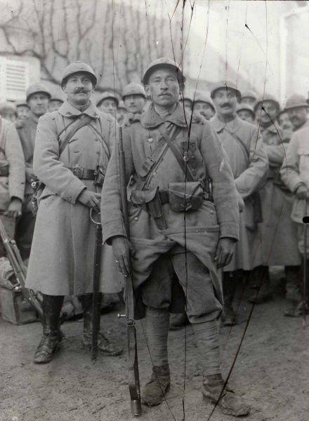Le soldat Lheureux du 401e d'infanterie en octobre 1916.                                                                                                                                                                                 Plus