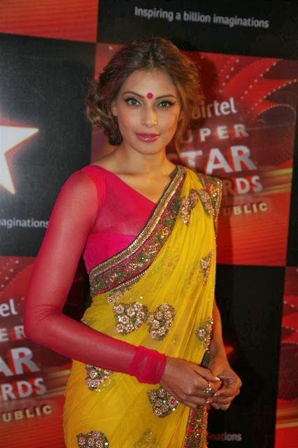Bollywood Actress Saree Collections: BOLLYWOOD ACTRESS BIPASHA BASU IN YELLOW SAREE AT AIRTEL SUPERSTAR AWARDS
