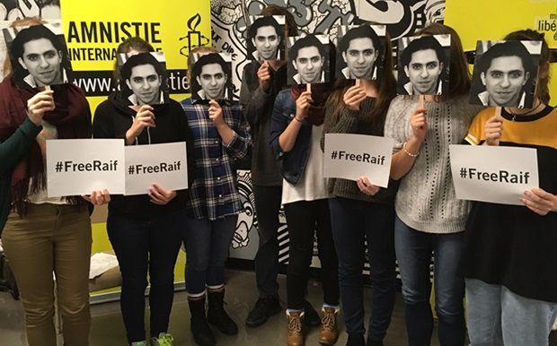 Monsieur Trudeau, faites entendre votre voix, et celle de chefs d'autres gouvernements, pour demander la libération de Raif Badawi et la réunification avec sa famille.