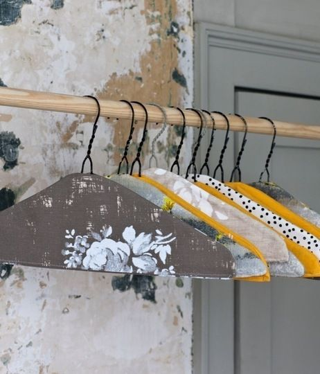 Part of me finds the idea of decorating closet hangers so impossibly desperate, but the other part of me thinks it's really pretty...