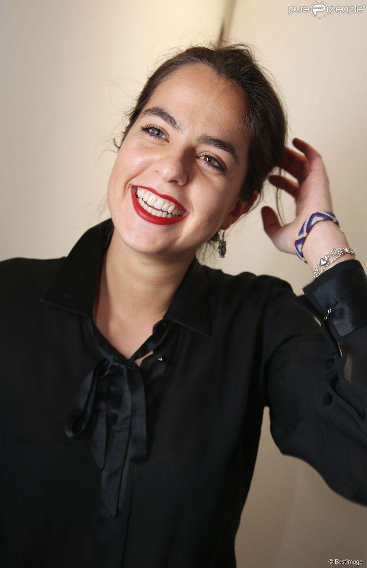 Anouchka Delon : ''Dès l'âge de 15 ans, je m'occupais de mon petit frère'' http://www.purepeople.com/article/anouchka-delon-des-l-age-de-15-ans-je-m-occupais-de-mon-petit-frere_a154858/1#lt_source=external,manual