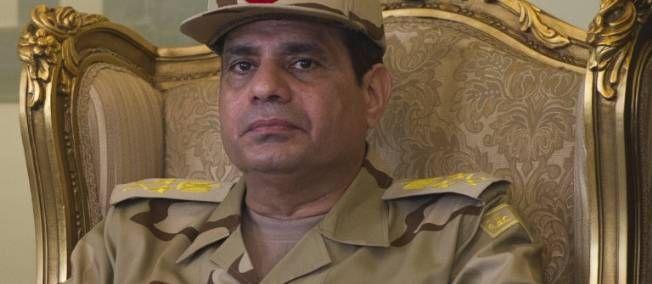 """06.02.14 / Présidentielle en Égypte : confusion sur la candidature du maréchal Sissi / D'après un quotidien koweïtien, le commandant en chef de l'armée égyptienne aurait annoncé son souhait de se présenter à la présidence. L'armée conteste / L'armée égyptienne a affirmé jeudi qu'un journal koweïtien avait """"mal interprété"""" des propos du maréchal Abdel Fattah al-Sissi sur sa décision de se présenter à la présidentielle, assurant qu'il réserverait l'annonce de sa candidature au """"peuple…"""