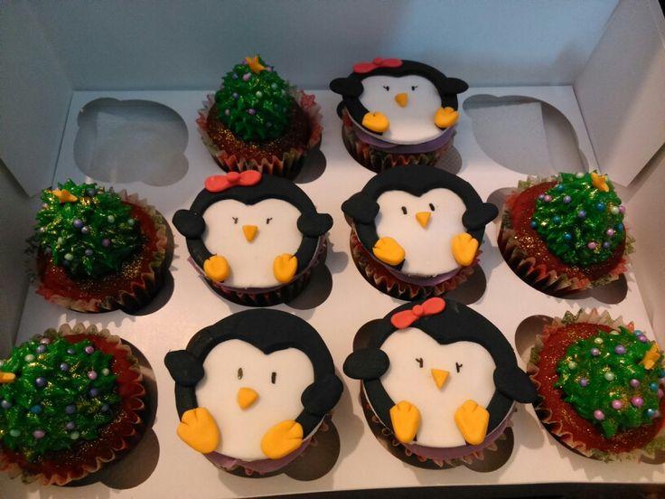 die besten 25 pinguin cupcakes ideen auf pinterest valentinstag cupcakes cupcakes backen und. Black Bedroom Furniture Sets. Home Design Ideas