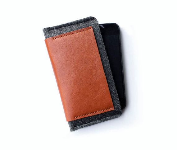 Leather iphone case / felt wool