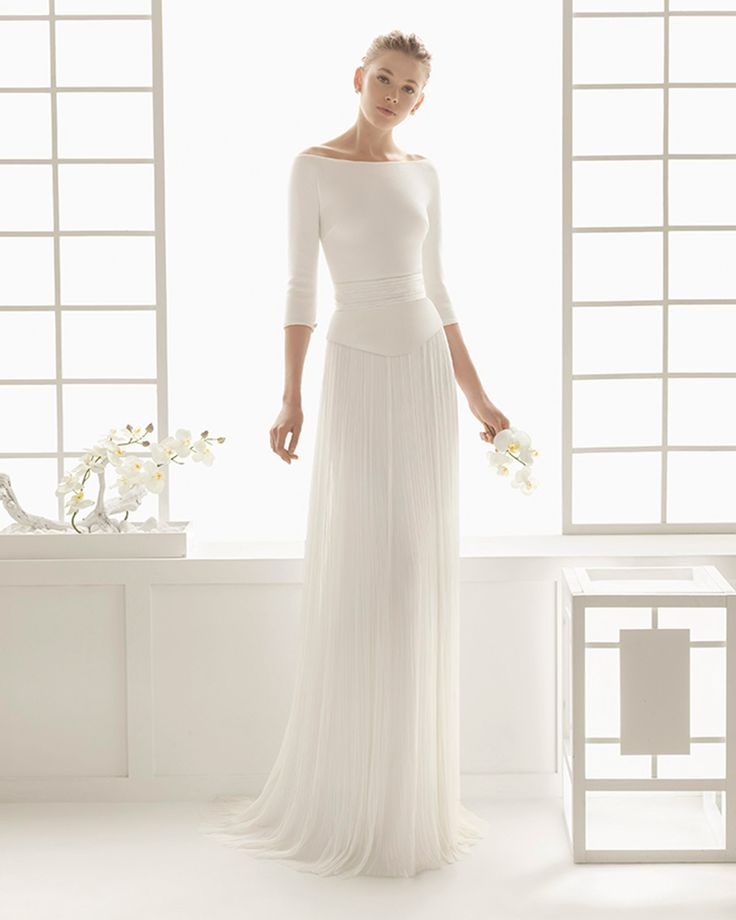Bridal gown with knit bodice and silk muslin skirt. Rosa Clará 2016 Collection.