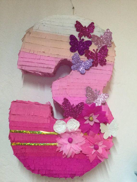 Piñata de niña rosa cumpleaños niña. Piñata de por aldimyshop