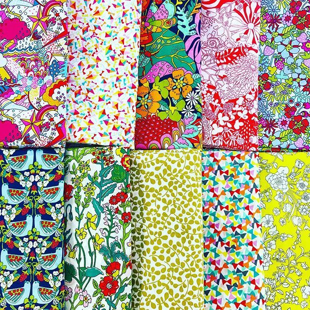 Ohhhh... The Garden of Dreams bundle in the BOLD Palette 😍🌿🌷🍄 Delicious! Available as Fat Quarter Bundle 🌻 $125Fat 1/8 Bundle 🍄 $75Fat 1/6 Bundle 🌸 $35💌 Free AUS shipping on orders over $50....
