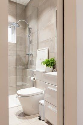 a creative couple renovates another small london flat bibi rh pinterest com