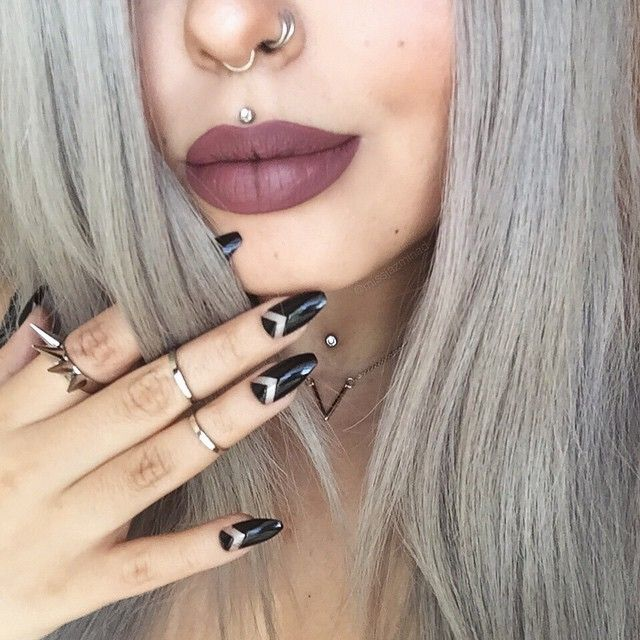 @anastasiabeverlyhills 'Veronica' liquid lipstick  seriously my fave! Rings and necklace from @lotusandco  wig from @hairhegoes @powderroomd