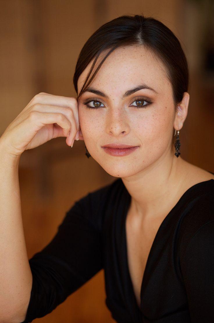 Isabel Leonard / Mezzo-Soprano