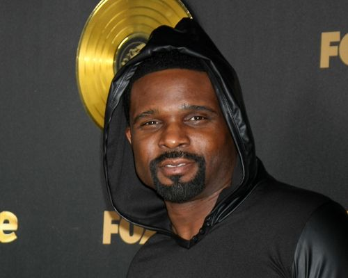 Family Matters Star Darius McCrary Arrested For Failure to Pay Child Support | Newsnish Remember Darius McCrary, AKA Eddie Winslow from Family Matters? He may have been on one of the biggest sitcoms of the '90s, but it looks like Darius has. Visit: http://www.newsnish.com/entertainment/others/family-matters-star-darius-mccrary-arrested-for-failure-to-pay-child-support/