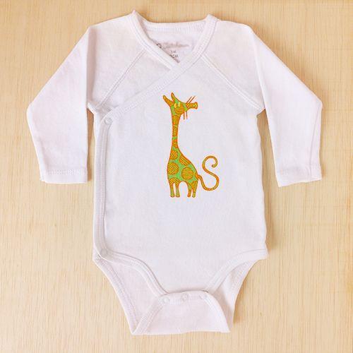 ¿Una jirafa con cola de gato?