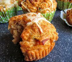 Die Pizzamuffins als herzhafte Muffins sind ein köstlicher Begleiter zu Gegrilltem oder aber auch hervorragend als Appetizer zu einem guten Glas Wein geeignet.