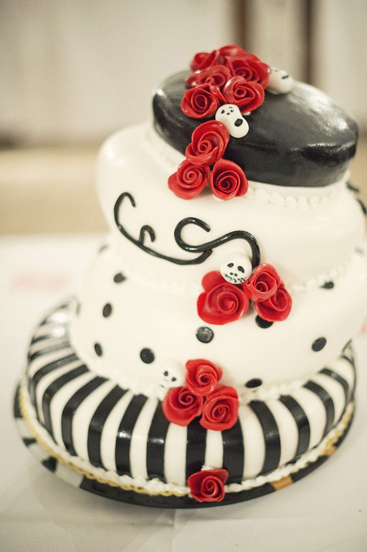 28 best Tim Burton themed wedding. Sweden images on Pinterest ...