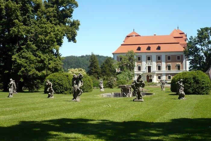 Valeč, Czech Republic, Chateaux and baroque sculptures of Matyas Bernard Braun