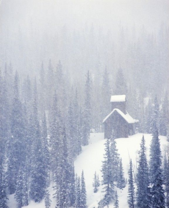 Christmas in the Colorado Rockies in a log cabin - yes please! #wotifia