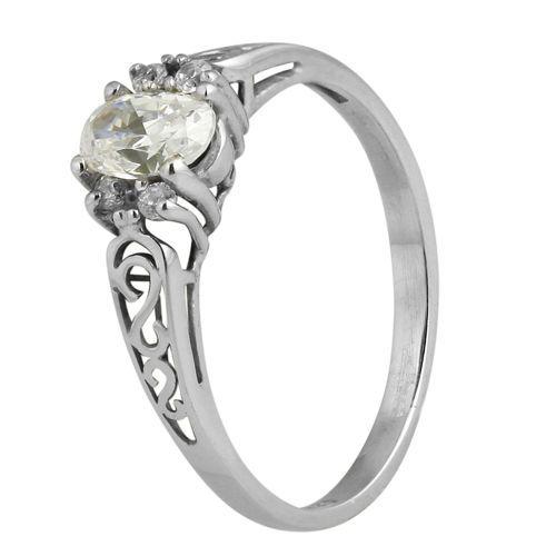 Pierścionek z białego złota z diamentami o łącznej masie 0,46 ct. Próba 0,585