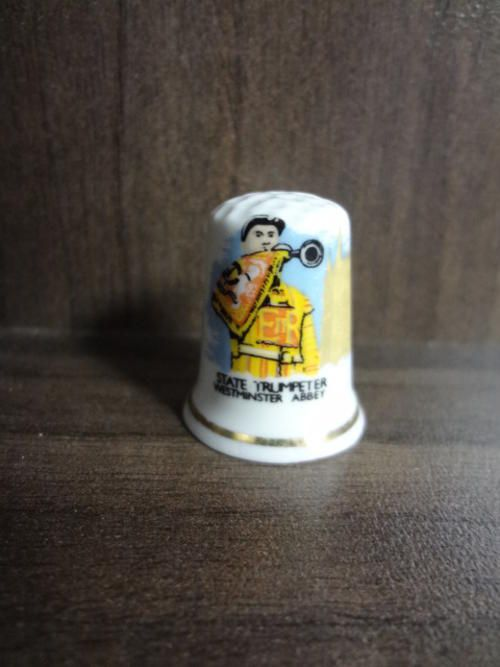 Porcelain & Ceramic - Fine Bone China State trumpeter thimble