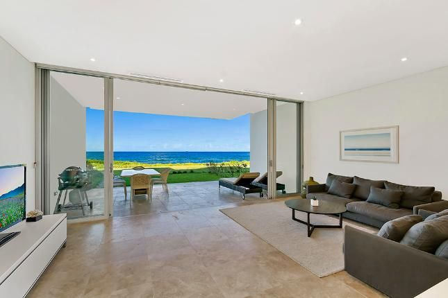 Nautilus 6 - Ultimate Absolute, a The Entrance North Apartment | Stayz
