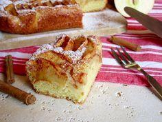 TORTA DI MELE TEDESCA Una Sofficissima e Facile Torta di Mele adatta ad essere consumata a Colazione o a Merenda! E' composta da due strati: L'impasto si r