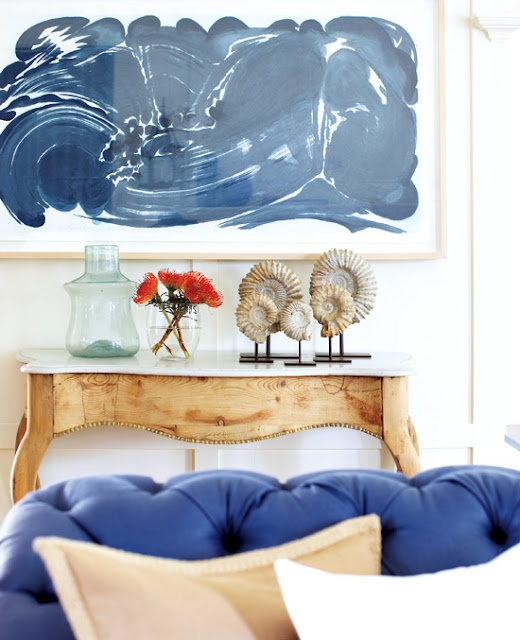 love the painting: Coastal Homes, Beaches Homes, Beaches House, Blue Couch, Abstract Art, Living Room, Beaches Inspiration Decoration, Blue Color Schemes, Blue Art