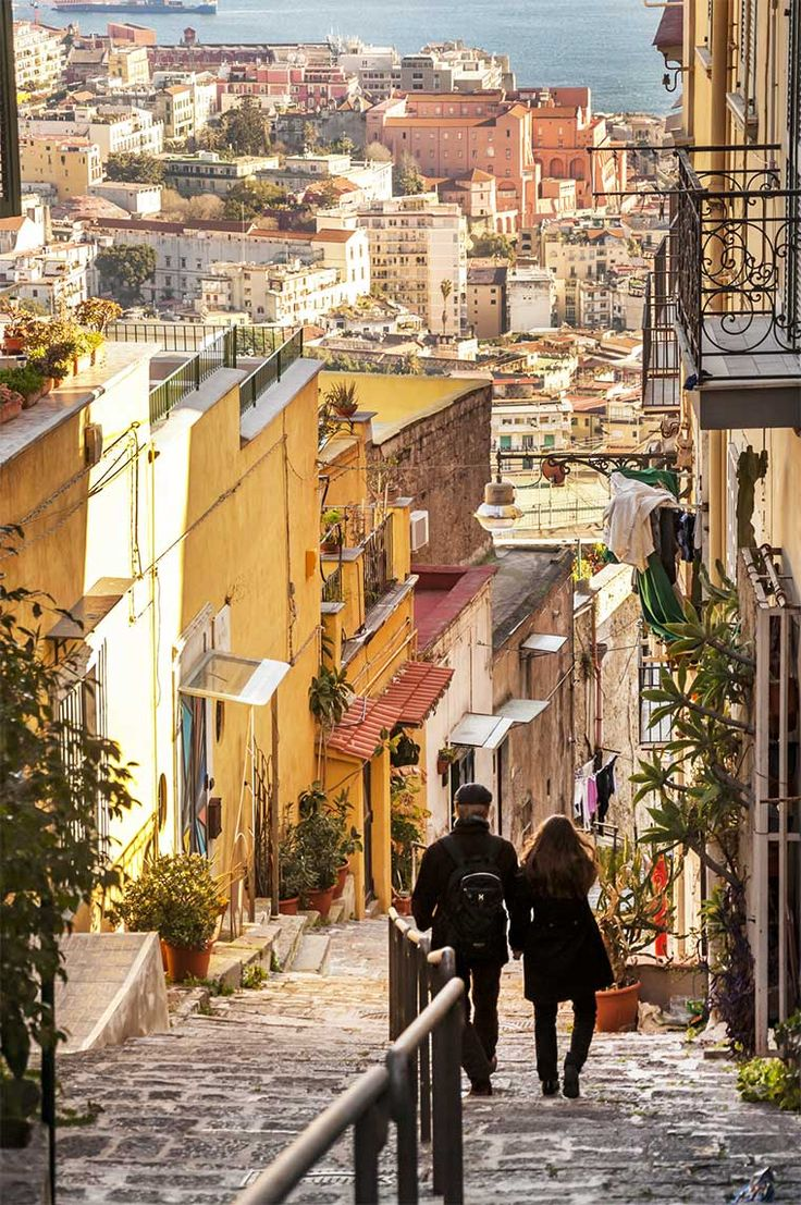 Discesa Petraio, pedamentina stair in Naples, Italy — Photo by edella