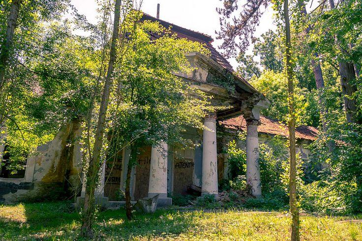 The old Baia 2 spa in Buzias