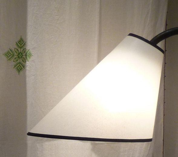 abat jour en lin rond pour lampe sur pied design de maison. Black Bedroom Furniture Sets. Home Design Ideas